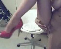 jaime-hammer-hot-webcam-strip2.jpg