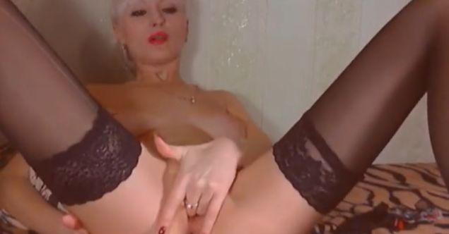 ParisBeautyy nude sex cams