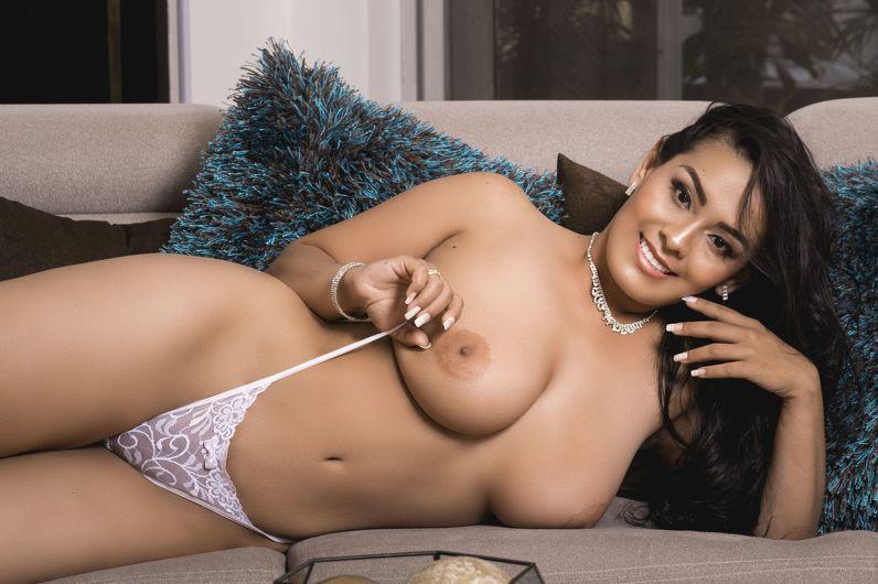 wandabonelli Latina With Big Ass Sex Cam 2